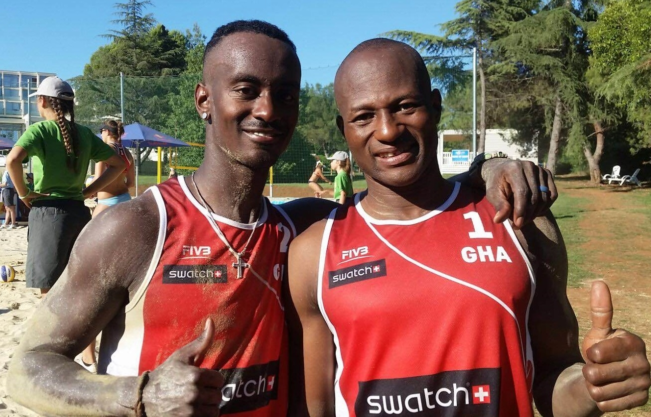 Thumbs up from Scott Sarpong (left) and Seidu Ajanako (right). Photocredit: Swatch Major Series