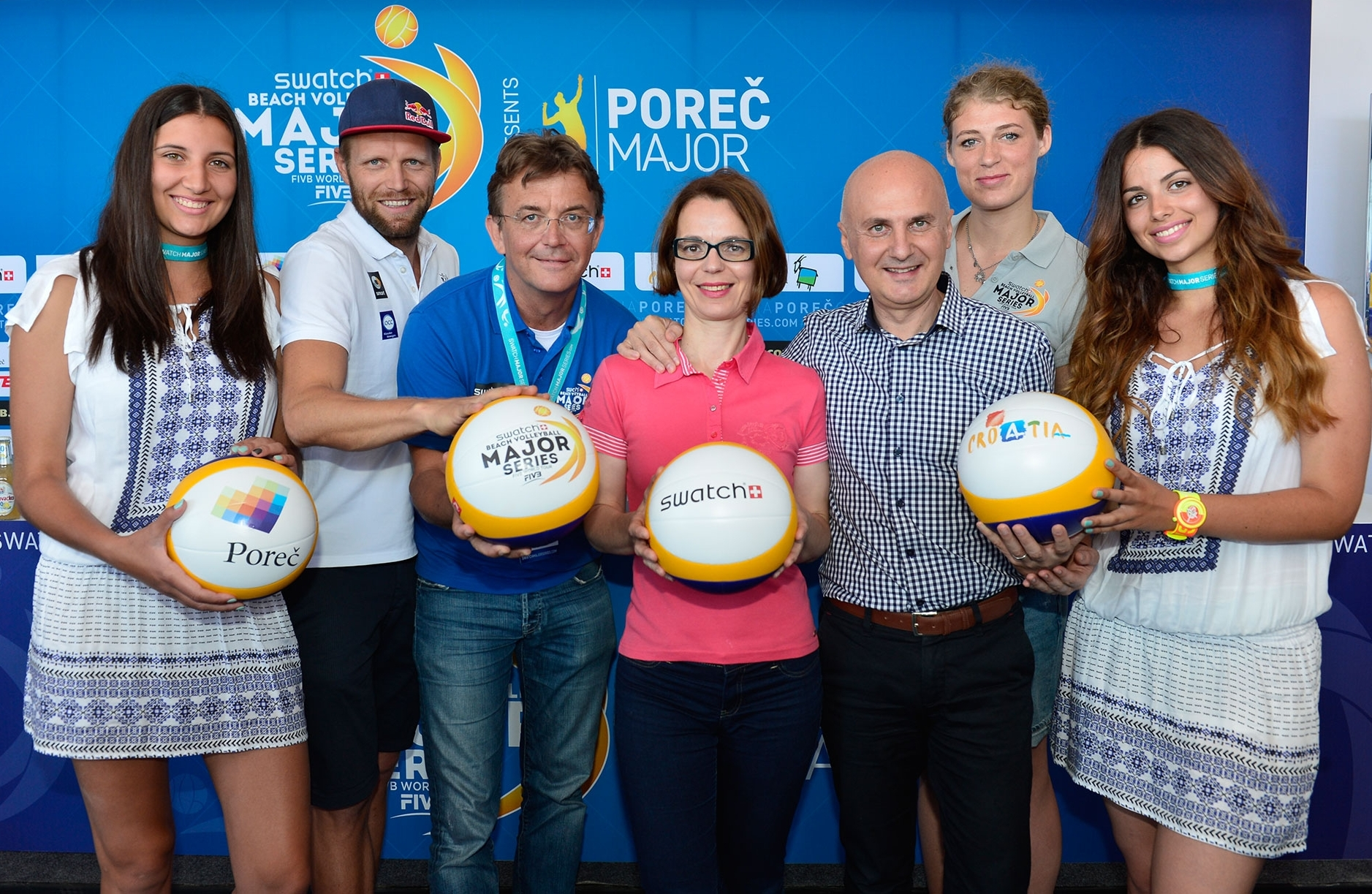 (Left-to-right) Julius Brink (London 2012 Olympic Gold Medalists), Hannes Jagerhofer (CEO Beach Majors), Nadia Stifanic Dobrilovic (Deputy of the City of Porec), Nenad Velenik (Director of Porec Tourist Board), Samanta Fabris (Croatian beach volleyball player). Photocredit: Bernhard Horst.
