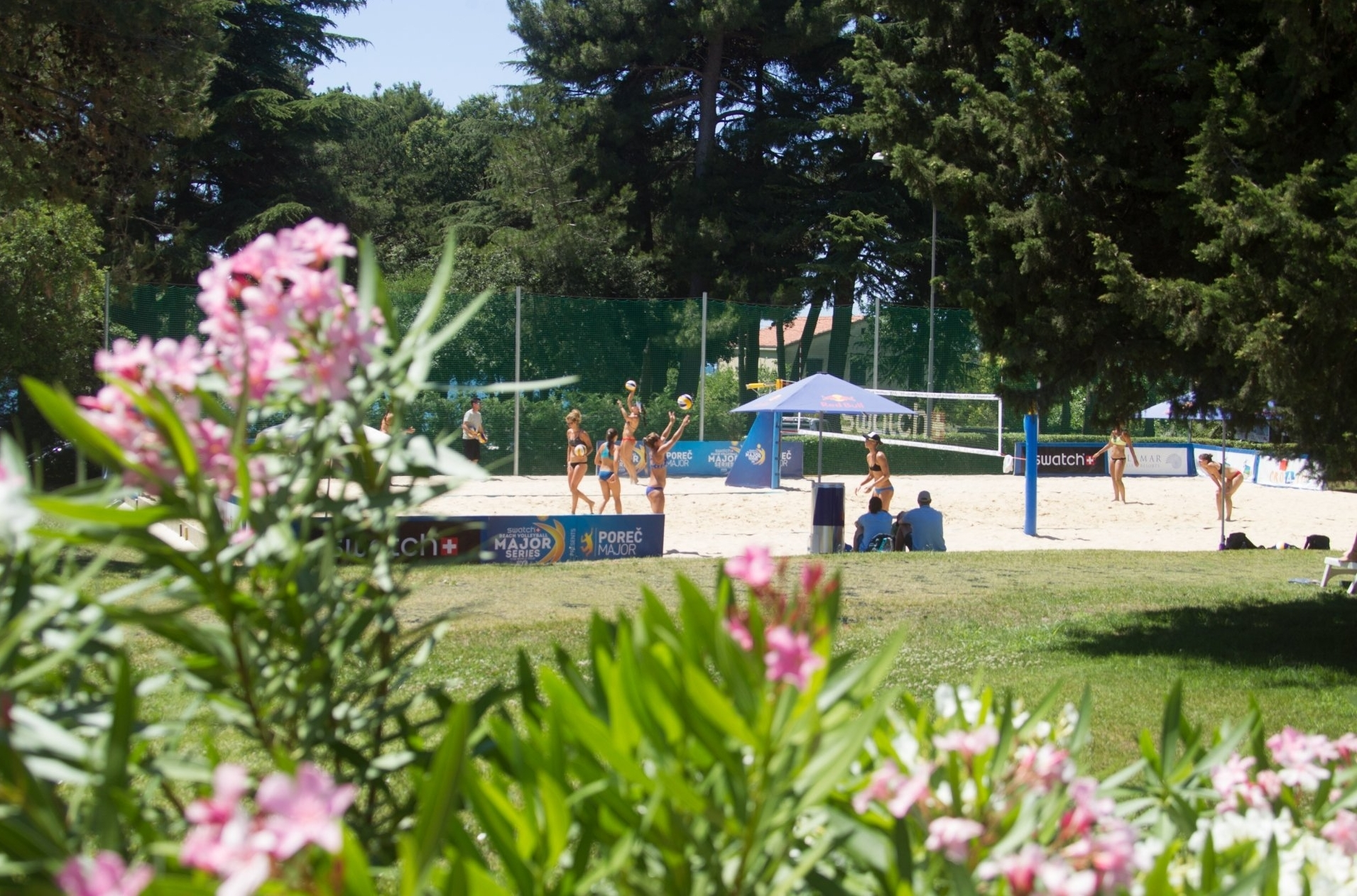 In among the trees at Side Courts 2 and 3 by the Valamar Zagreb Hotel