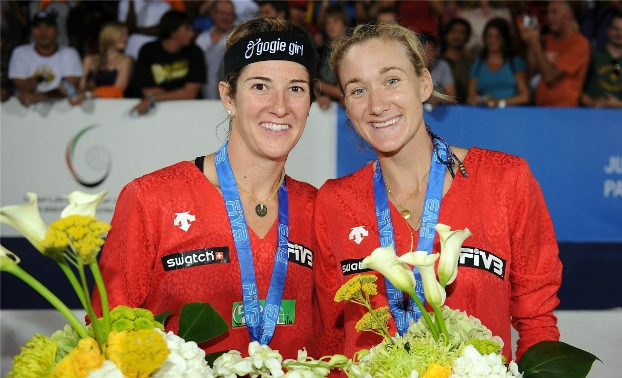 Nicole Branagh (left) and Kerri Walsh Jennings after winning the 2008 Dubai Open in their first-ever beach volleyball event together. Photocredit: FIVB.